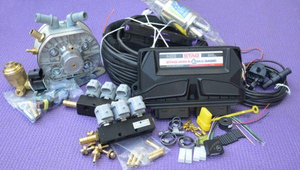 Підкапотна частина газового встановлення на 4 пок., 6 цил. Stag-300 Q-Max Basic+KME Silver+Valtek