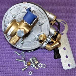Газовий редуктор Valtek Palladio (пропан-бутан) 4-е пок., до 310 к.с. (до 230 кВ) з ЕМК газу, вхід D8 (M12x1), вихід D12, ДТР в комплекті (роз'єм під НК)