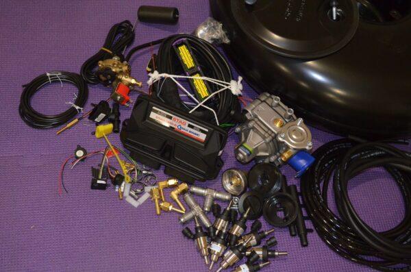Комплект газового обладнання на 4 пок., 8 цил. (Stag-300-8 QMax Basic , Tomasetto AT13 XP,  Hana Single black)