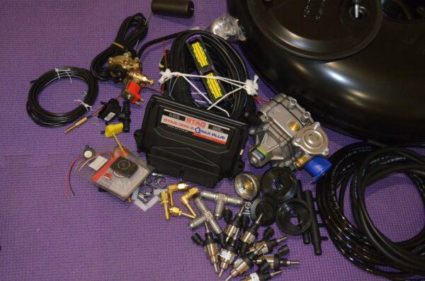 Комплект газового обладнання на 4 пок., 8 цил. (Stag-300-8 QMax Рlus, Tomasetto AT13 XP,  Hana Single black)